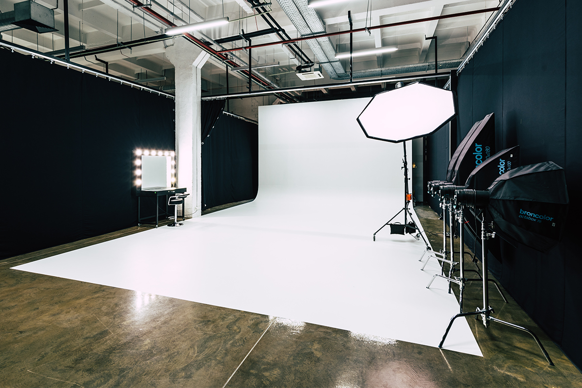 White Cyclorama 2 - Lightfield Photo Studio